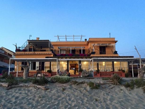 Ristorante sulla Spiaggia a Torvaianica vicino Roma