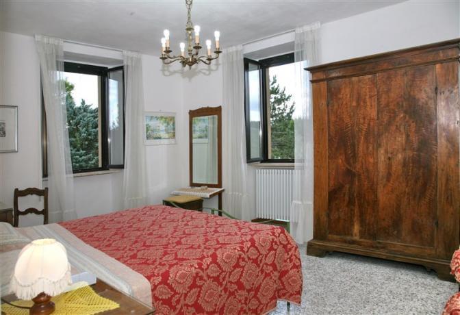 Camera matrimoniale appartamento Pini