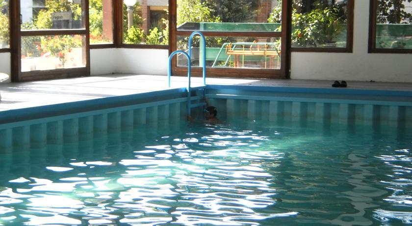 Piscina coperta in Hotel a Grado