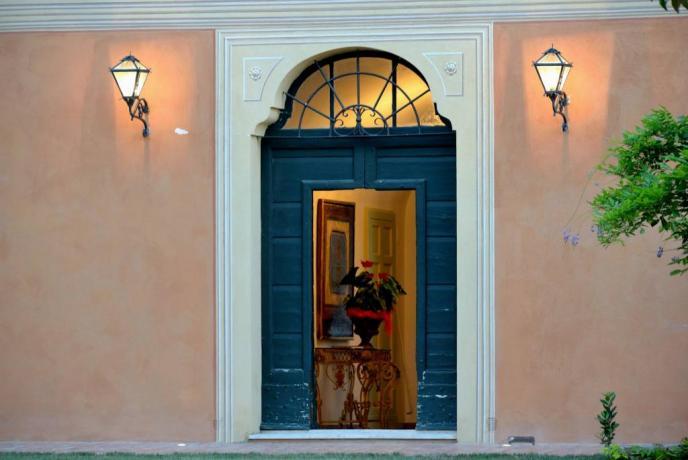 Entrata villa lusso con suite e camere Perugia-Piscille