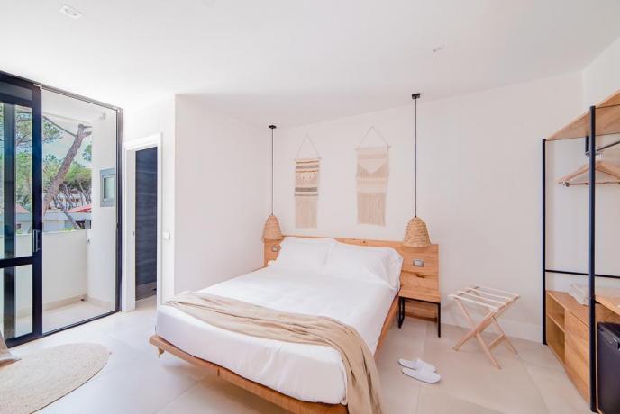 Camera matrimoniale hotel 4stelle con armadio Baia-Domizia