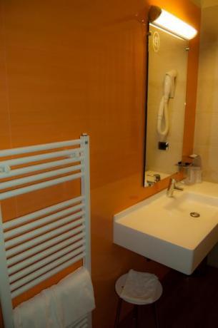 Bagni privati in camera Classic con doccia
