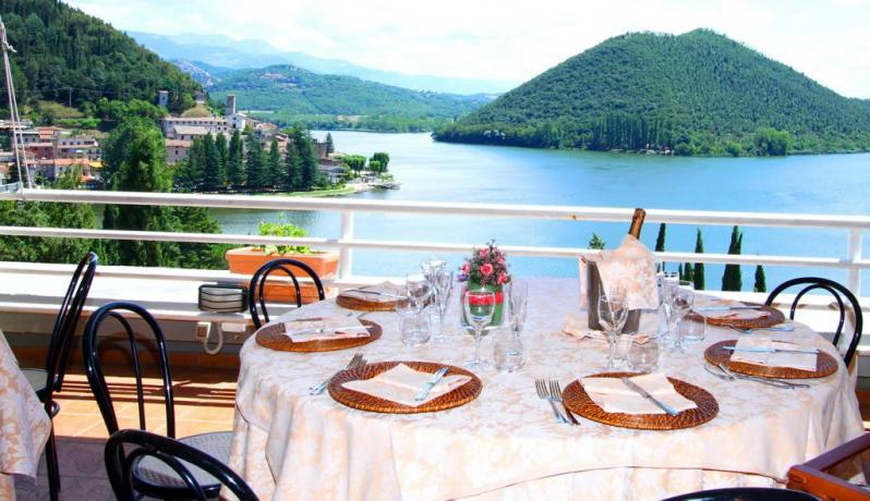 Hotel with restaurant in Piediluco Lake