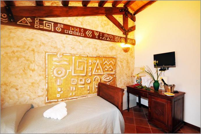 """Hotel Sicilia, Tripla 402 """"STANZA DELL'INCORONAZIONE"""""""