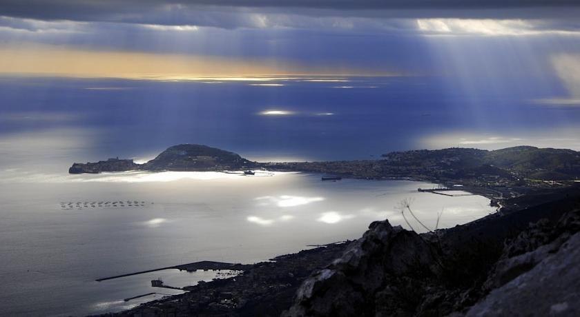 Marina di Minturno mare e luoghi storici