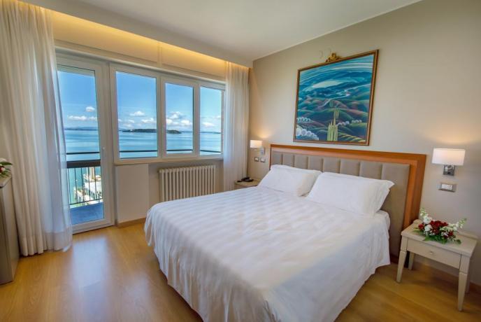 Spaziosa Camera Matrimoniale vista sul Lago Trasimeno