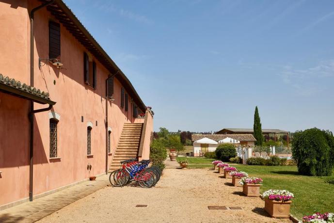 Casale Unciano con affitto biciclette Umbria