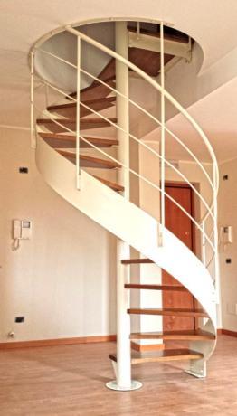 s86 scala elicoidale gradini in legno