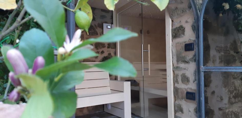 Sauna ad uso esclusivo in villa sul Trasimeno