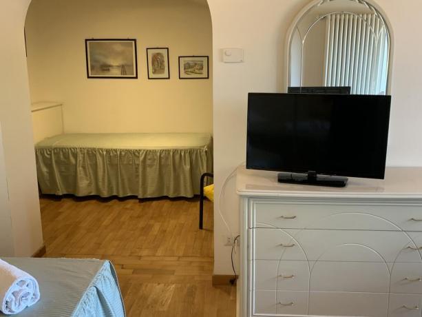 Camera tripla con letto aggiunto villa vacanze Perugia