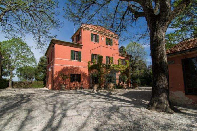 Villa Lusso Jesi per 8/10/12 persone