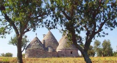 Restored Trulli Holiday houses for rent in Italy