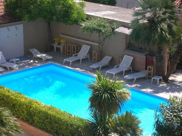 Hotel 3stelle con Piscina vicino al Centro Senigallia
