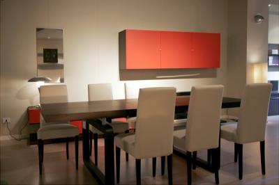 Tavolo e sedie imbottite pelle vendita soggiorni classici for Sedie da soggiorno in pelle