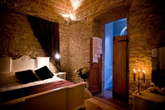 Suite tipo in pietra al castello