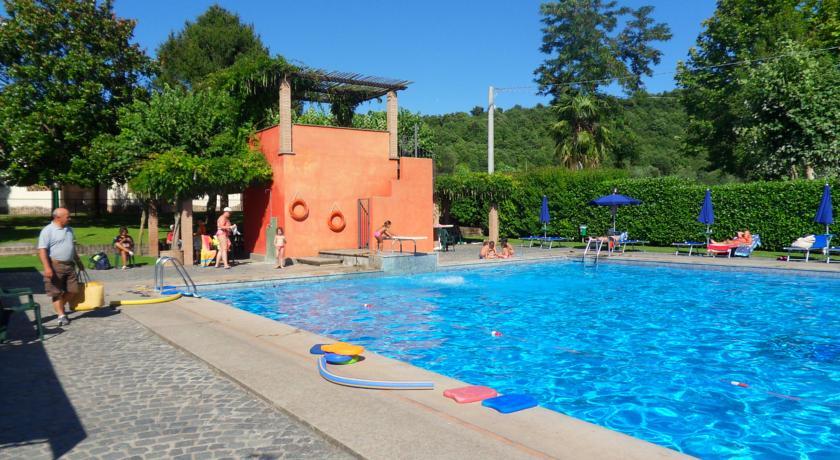 Hotel con Piscina sul Lago di Bracciano