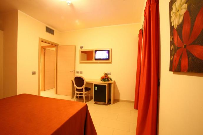 Camera con TV albergo in Calabria