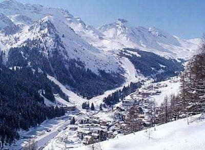 Find Accomodations for the skitrip, real bargains!