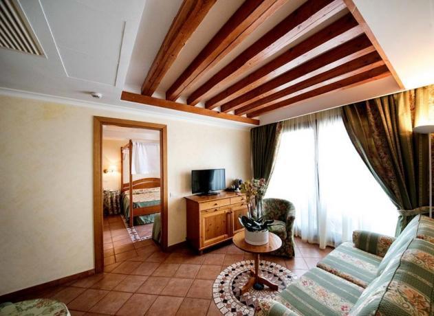 Ampia Suite con Salottino e Idromassaggio Sabaudia