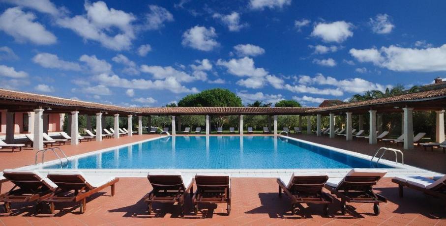 Resort a Orosei con Piscina ideale per relax