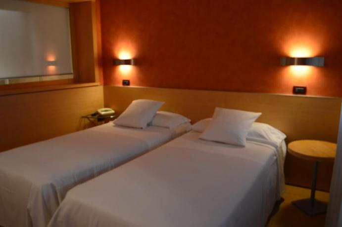 Camera doppia letti singoli Hotel 3 stelle Torino