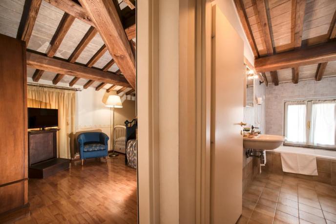 Camera Matrimoniale con Bagno Interno vicino Assisi