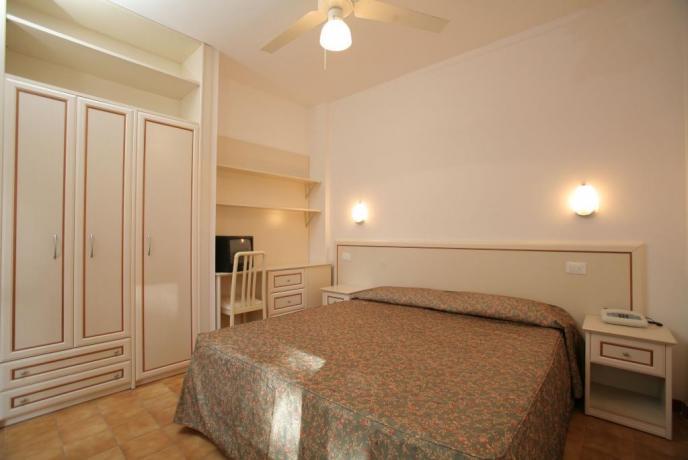 Camera Matrimoniale in Villetta con Armadio