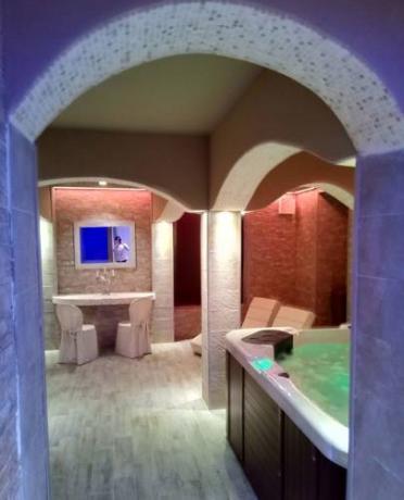 Benessere Spa in Resort con Piscina e Ristorante