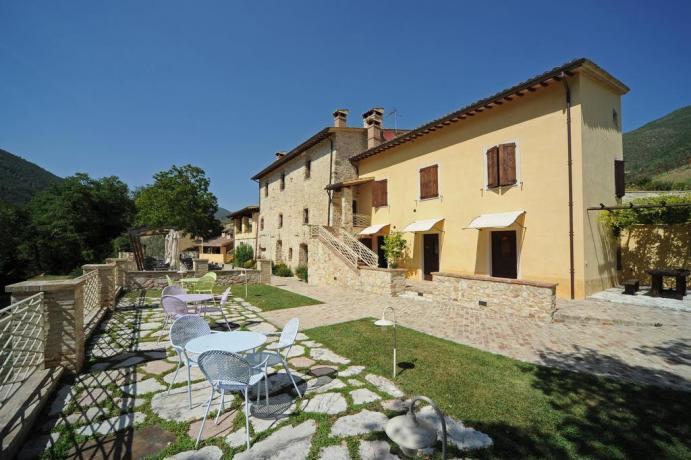 Agriturismo in Umbria con Cortile prezzi bassi