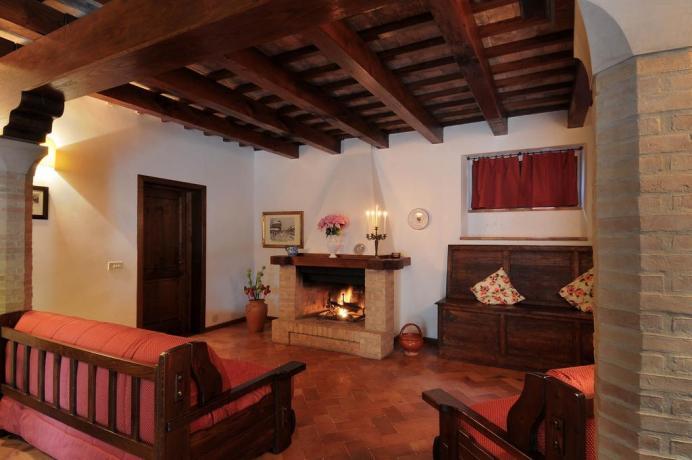 Appartamento Quercia travi in legno e Camino