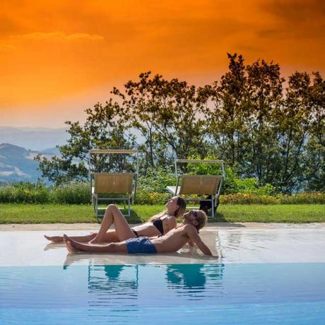 Piscina riservata per casale di Lusso Assisi