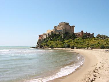 Alloggiare vicino alla spiaggia a falconara marittima alberghi bb agriturismi vicino a - Piscina falconara marittima ...