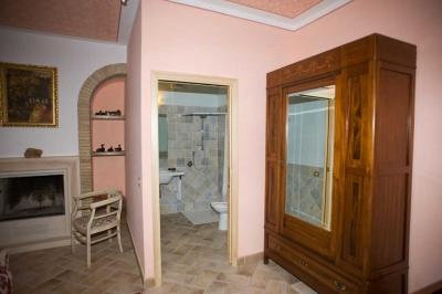 Camera con armadio e  servizi privati