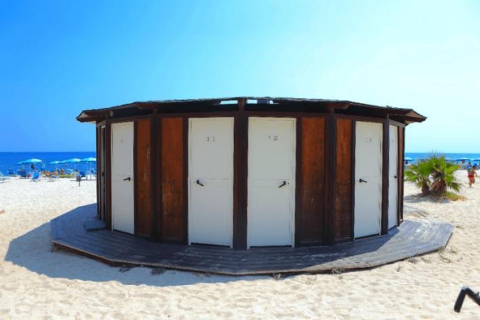 Villaggio con cabine private in spiaggia