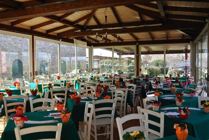 Sala con Camino ideale per Gruppi ad Assisi