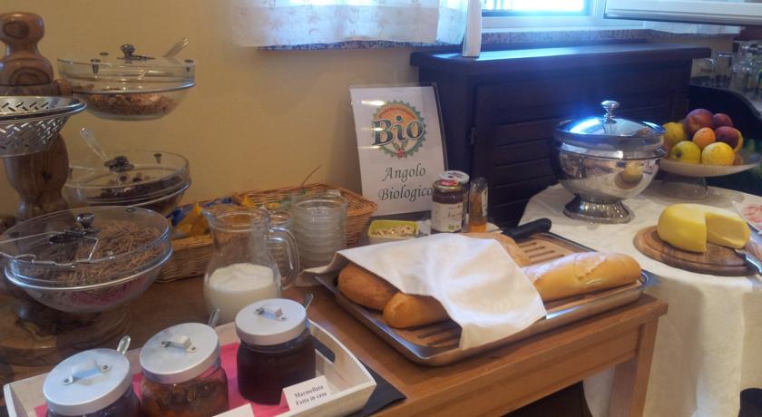 Colazione con prodotti fatti in casa ad Assisi