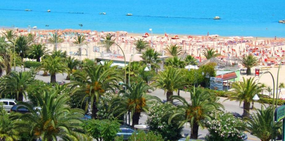 hotelfrontemare-marinadicampofilone-fermo-nolo-biciclette-spiaggiaprivata