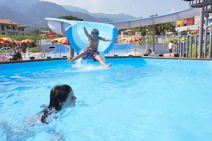 Resort Villaggio Residence con Piscina a Loano