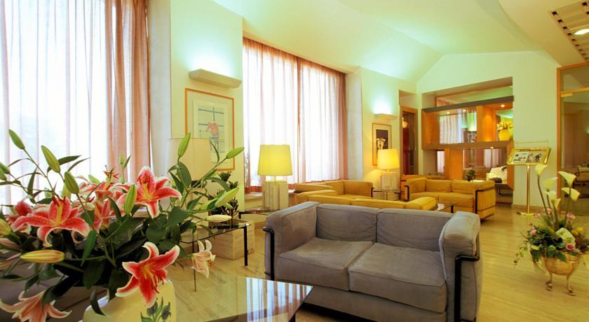 Salottino comune hotel con wifi