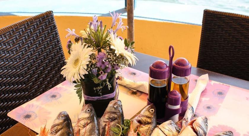 Terrazza ristorante fronte mare