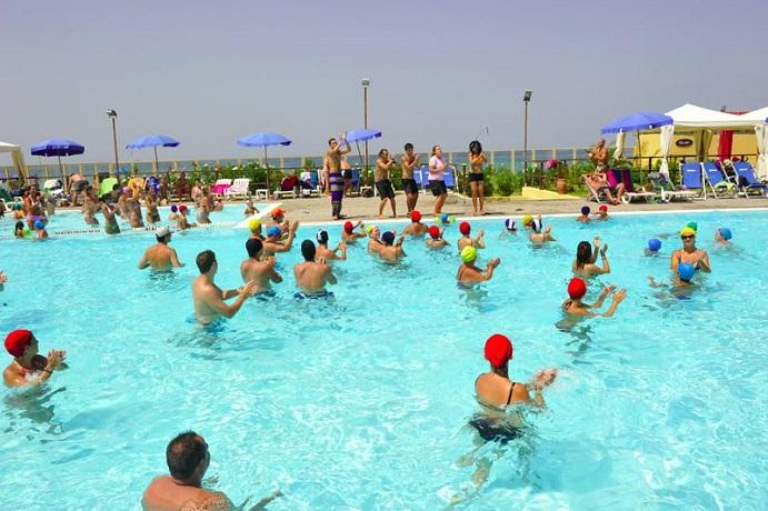 Resort con Piscina e Spiaggia Privata