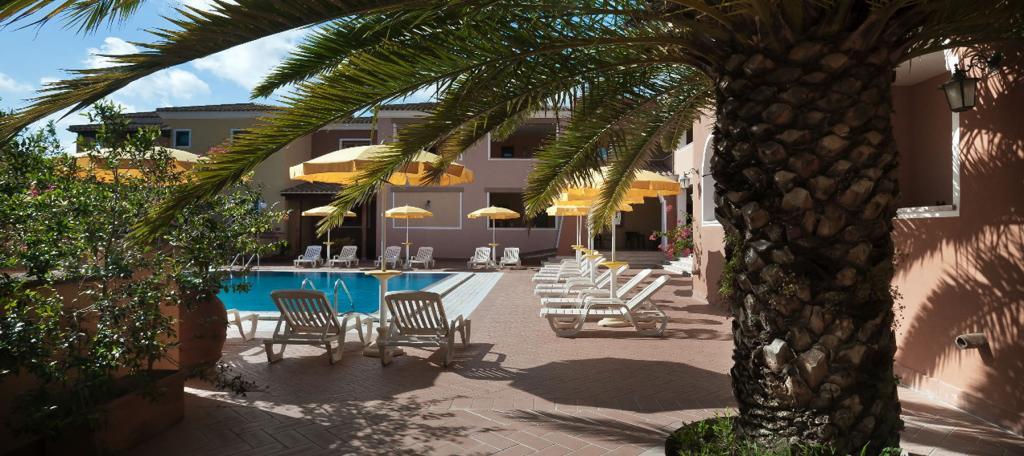 Residence con piscina sulla spiaggia di cala liberotto - Residence con piscina sardegna ...