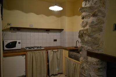 Angolo cottura in pietra appartamento Castagna