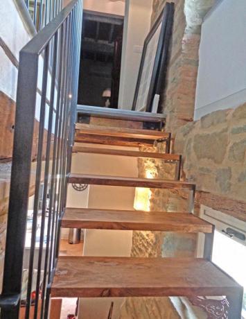 s82 scala in ferro gradini in legno