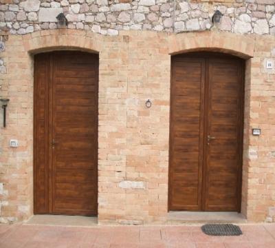 Porte in alluminio con doghe a taglio termico infissi e for Doghe in legno ricambi