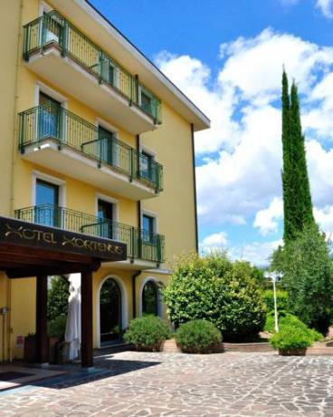 Ingresso Hotel vicino Santa Maria degli Angeli: 6km
