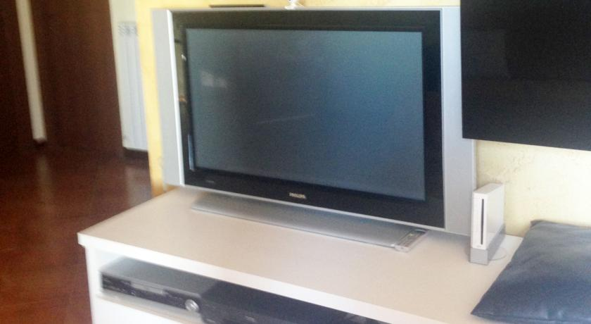 Tv schermo piatto con 50 pollici
