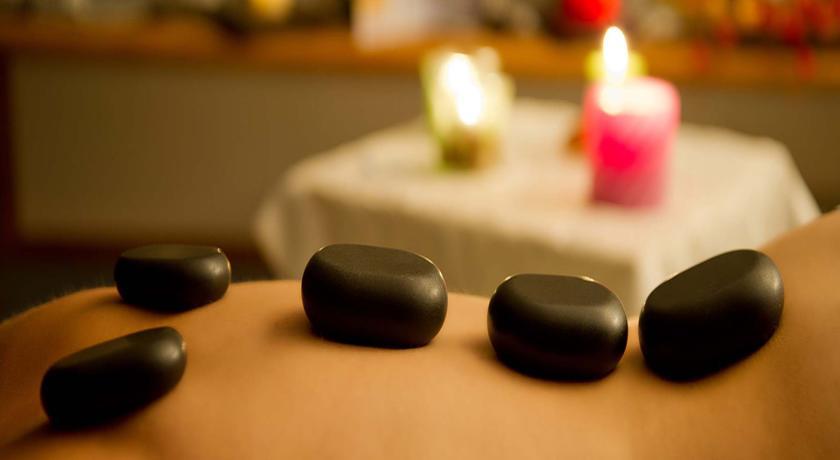 Massaggio relax in ambiente magico