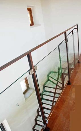 s2-10 scala interno ferro e vetro