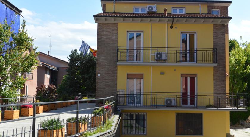 Camere Economiche con Bagno Privato a Pavia